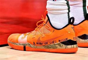 字母哥上脚Kobe A.D.PE版 字母哥签名球鞋6月29开始发售
