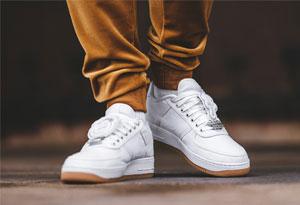 适合夏天出游的小白鞋有哪些 10款夏季必备的小白鞋上脚搭配技巧推荐