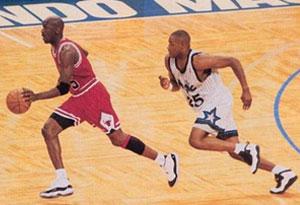 男生买鞋必须买大一码吗 篮球鞋挑选时应该注意哪些