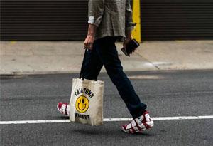 托特包品牌有哪些 托特包搭配技巧推荐