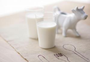 健身后喝牛奶能增肌吗 牛奶是健身前喝还是健身后
