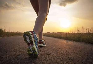 专业跑鞋有什么好处 跑鞋的分类和推荐