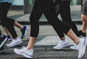 Nike与Adidas有什么区别 Nike比Adidas好在哪
