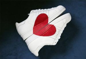 阿迪达斯爱心鞋怎么看真假 Adidas情人节限定真假鉴别方法