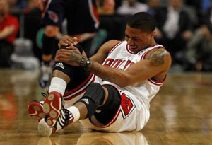 篮球运动怎样避免受伤 打篮球的注意事项