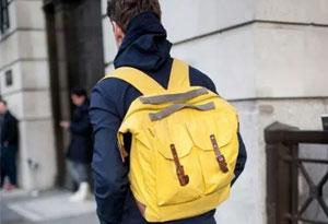 男士冬天背什么包好看 适合男生冬天背的包推荐