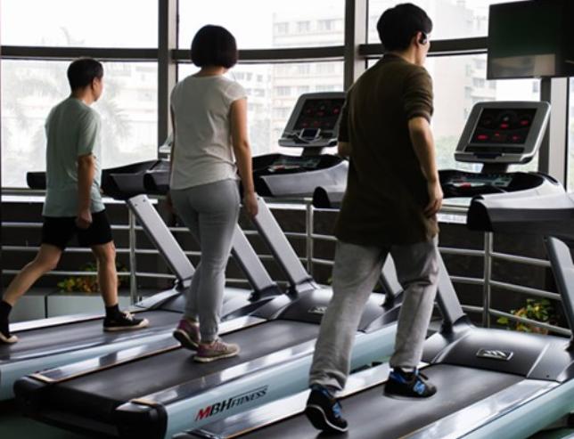 光买健身装备不运动 1亿人在假装健身