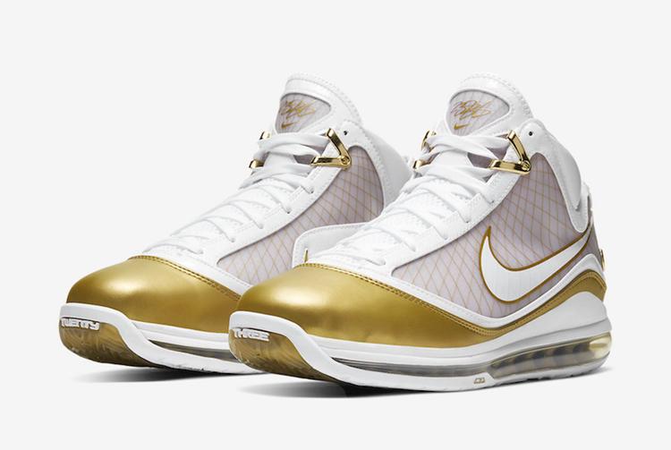"""Nike LeBron 7 """"China Moon""""发售日期"""