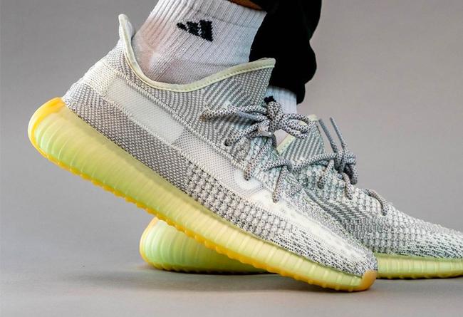 "Nike LeBron 17 ""Infrared""1月8日发售"