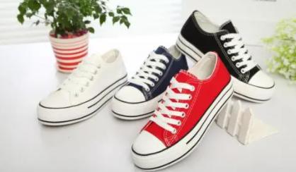 帆布鞋穿着脚后跟有声音是不是质量问题